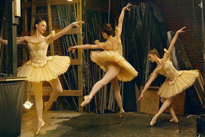 Felix Kunze Ballerina 2 Alien Skin1